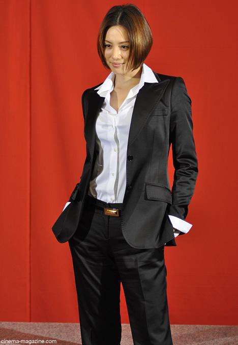 米倉涼子 さすが元ファッションモデル 決まって